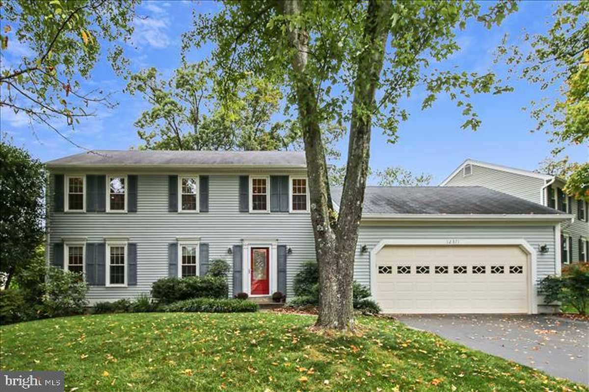 $815,000 - 4Br/4Ba -  for Sale in Fair Oaks Estates, Fairfax