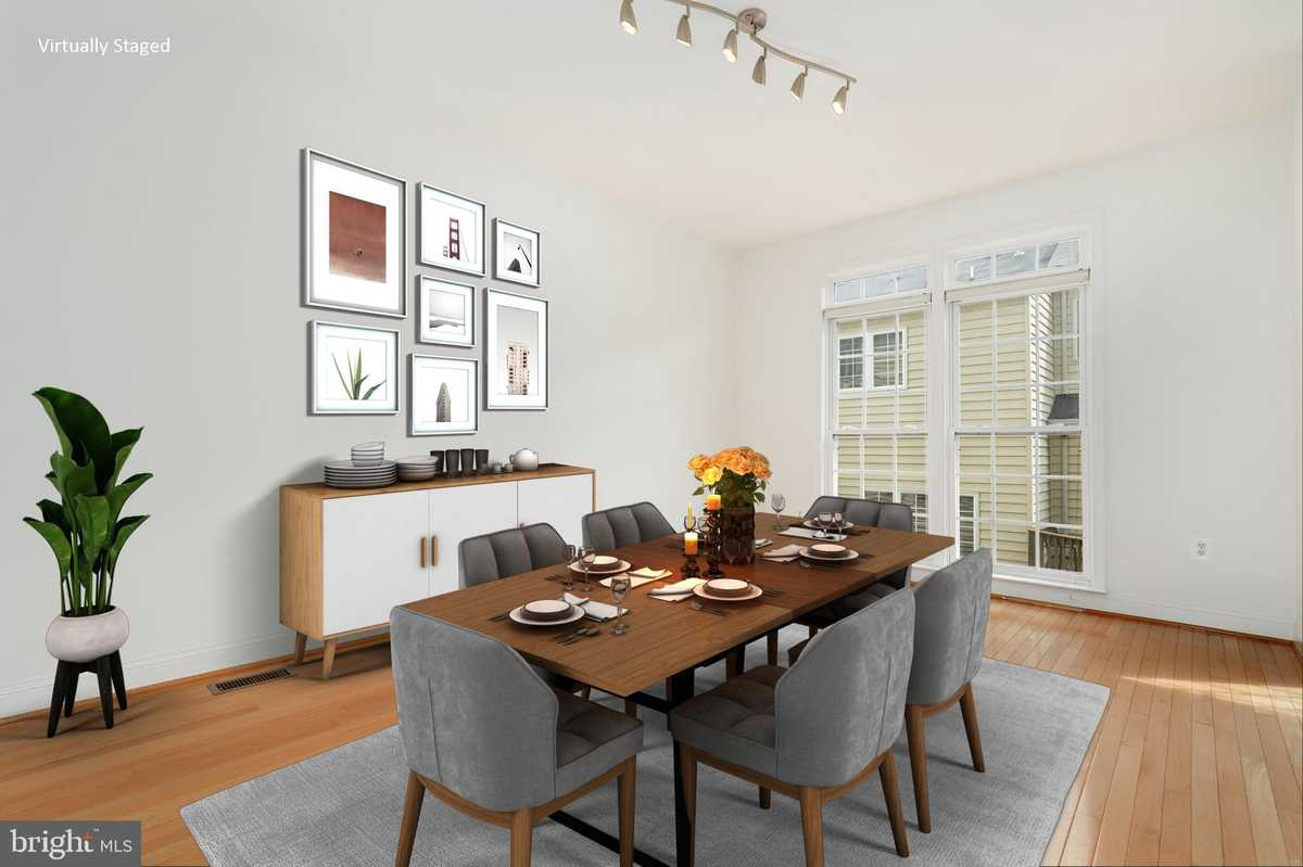 $625,000 - 3Br/4Ba -  for Sale in Stone Creek Crossing, Fairfax