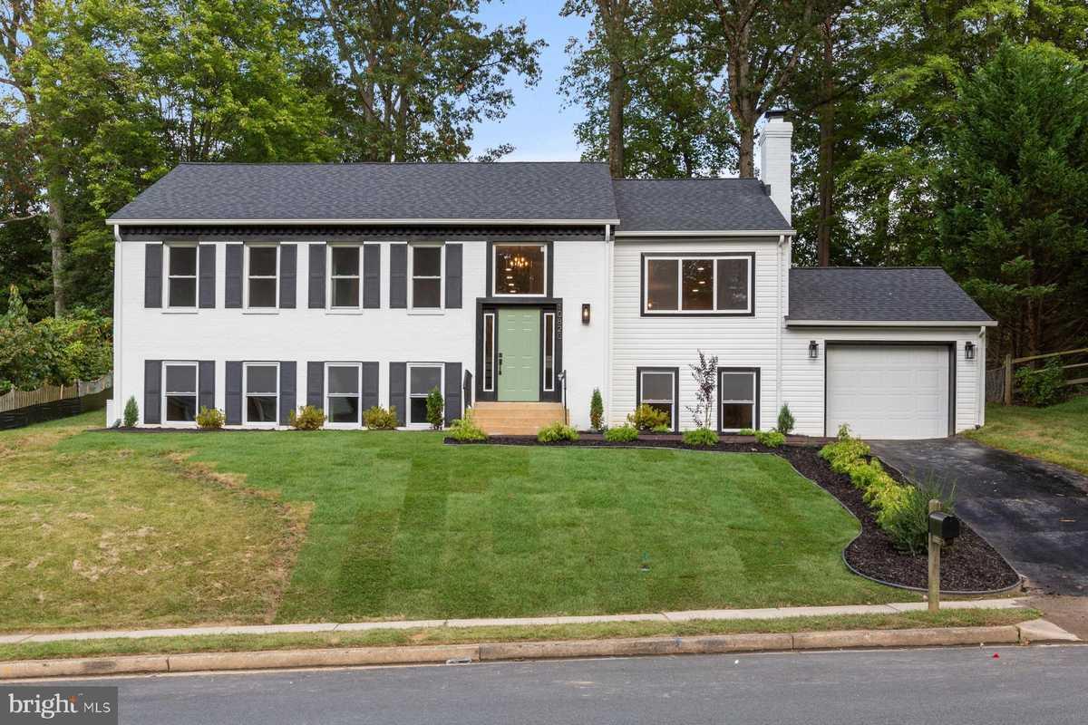 $784,900 - 5Br/3Ba -  for Sale in Middleridge, Fairfax
