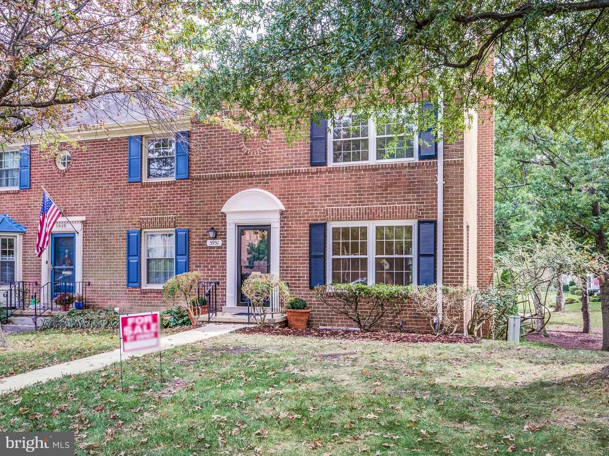 $565,000 - 3Br/4Ba -  for Sale in Charlestown, Springfield