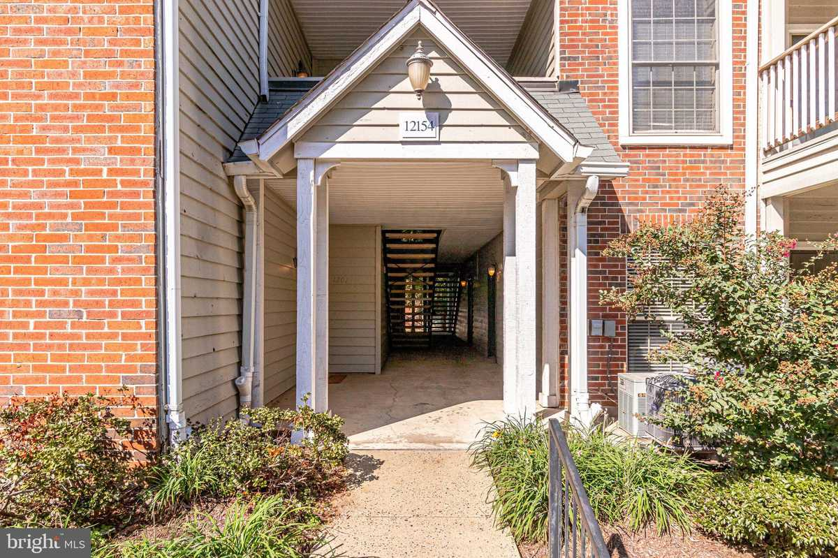 $230,000 - 1Br/1Ba -  for Sale in Penderbrook Square, Fairfax