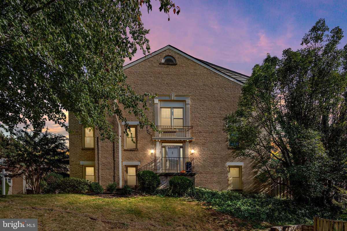 $860,000 - 4Br/4Ba -  for Sale in Dominion, Falls Church