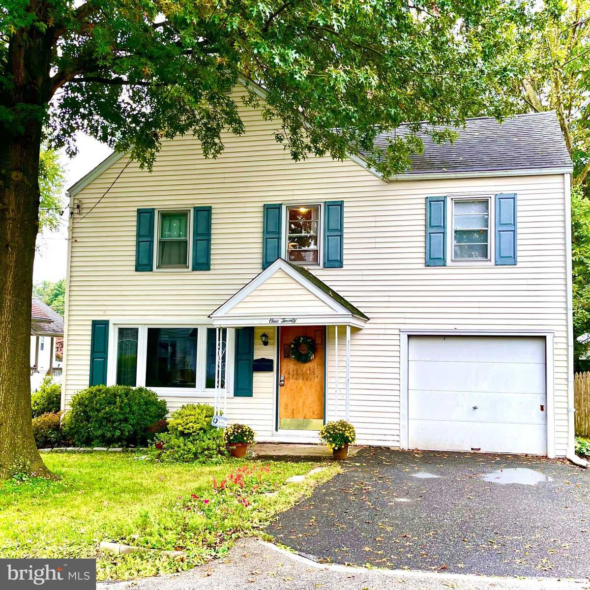 $302,000 - 4Br/1Ba -  for Sale in None Available, Wallingford