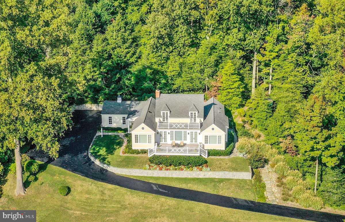$3,250,000 - 3Br/3Ba -  for Sale in Gibson Island, Gibson Island