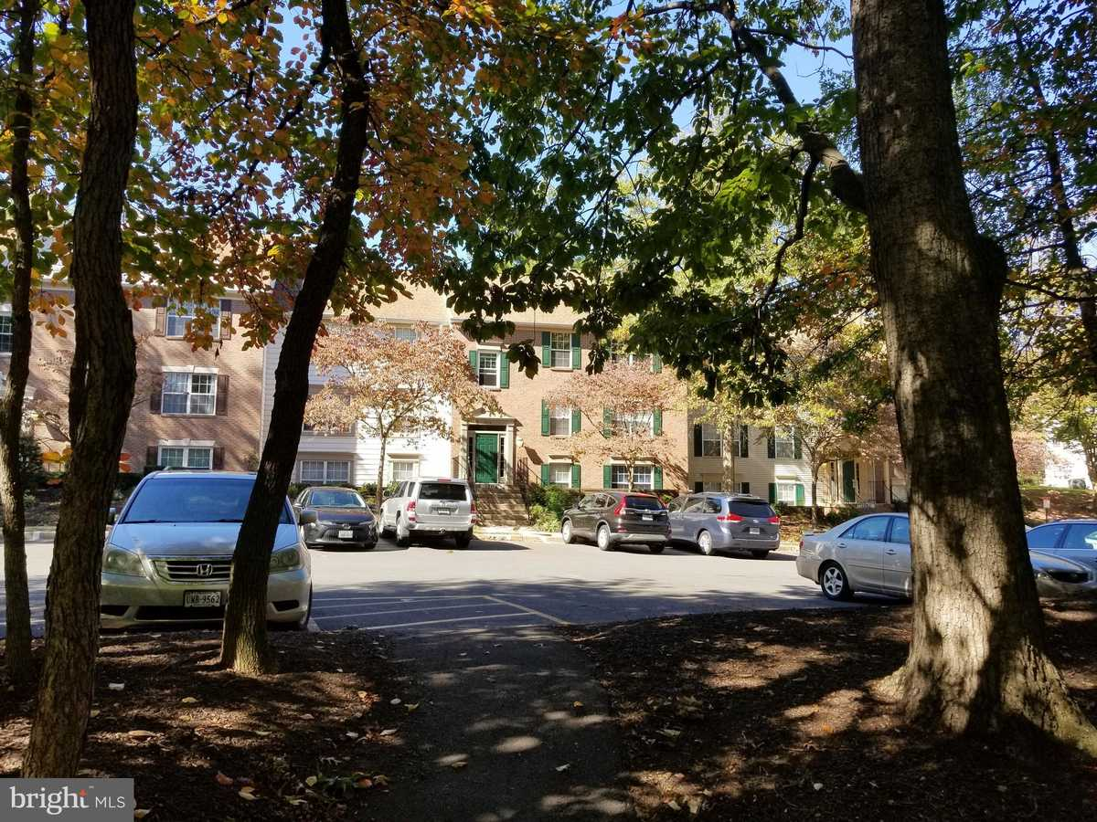 $300,000 - 2Br/2Ba -  for Sale in Heights At Penderbrook, Fairfax