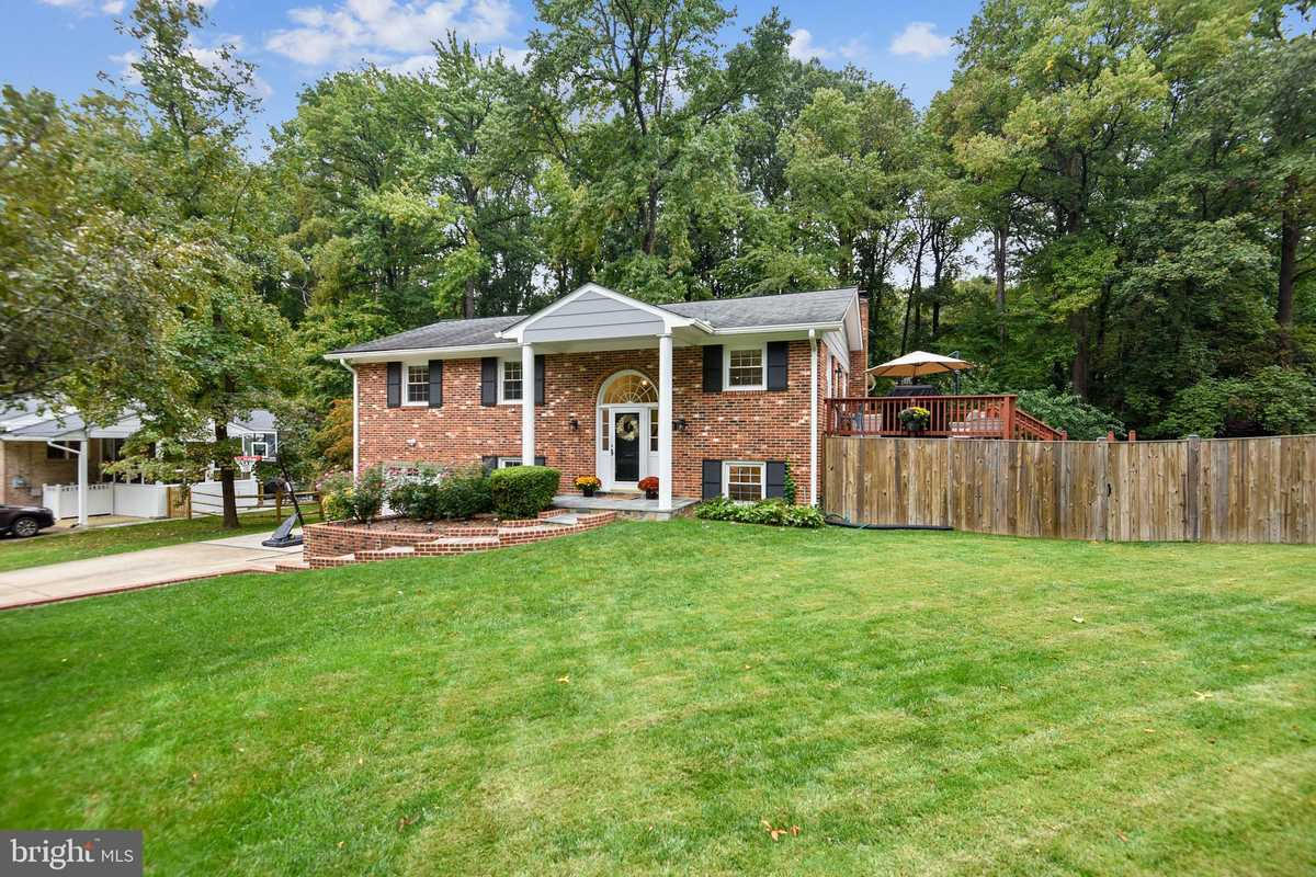 $835,000 - 5Br/3Ba -  for Sale in Tall Oaks, Annandale