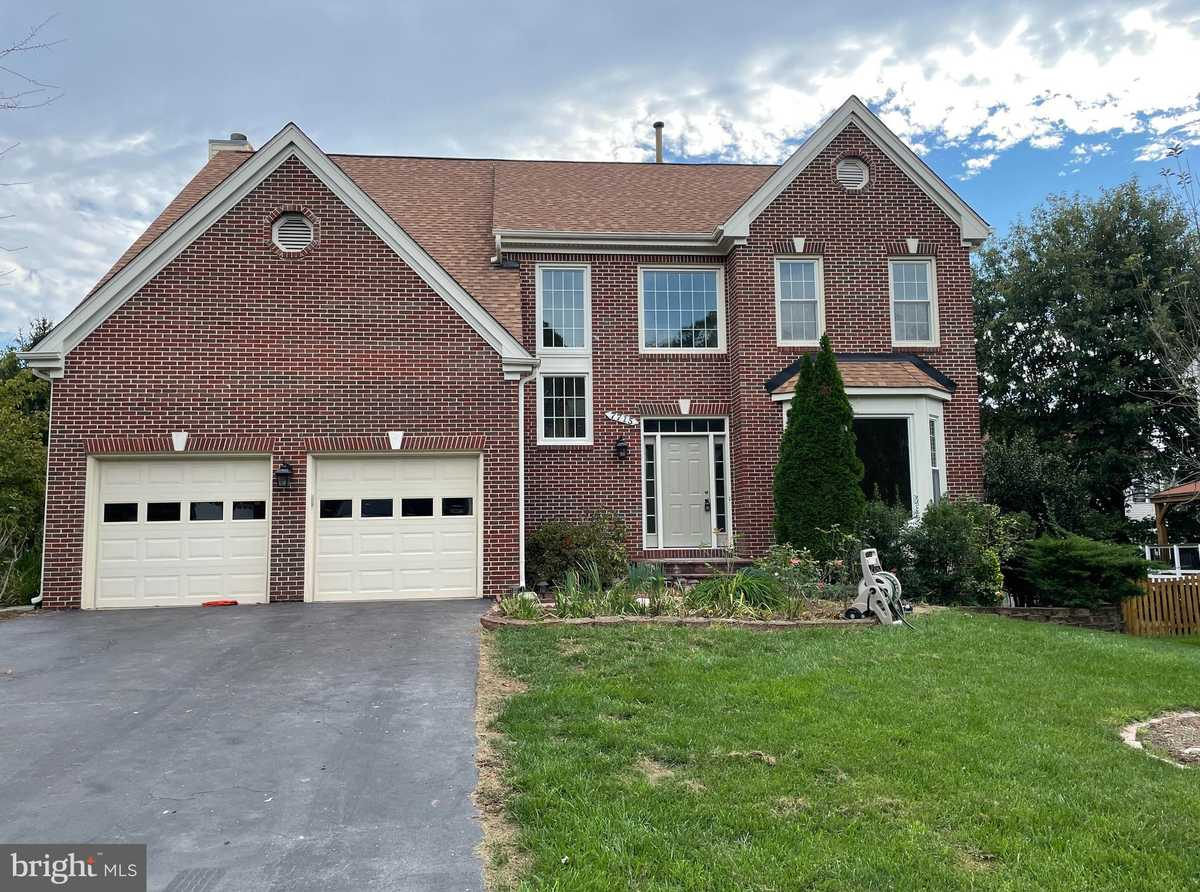 $815,000 - 4Br/3Ba -  for Sale in Whisperwood, Springfield