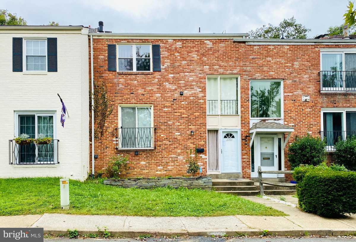 $535,000 - 3Br/3Ba -  for Sale in Carlyn Park, Falls Church