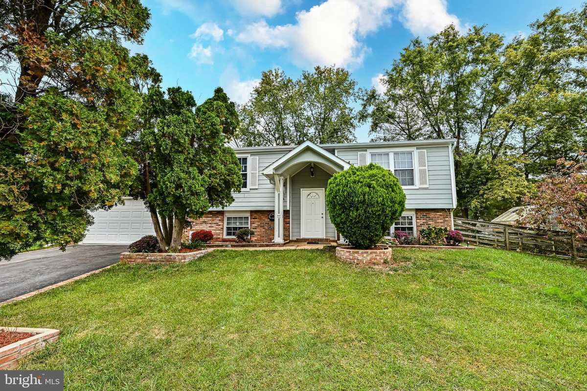 $628,900 - 4Br/3Ba -  for Sale in West Ox Cluster, Herndon