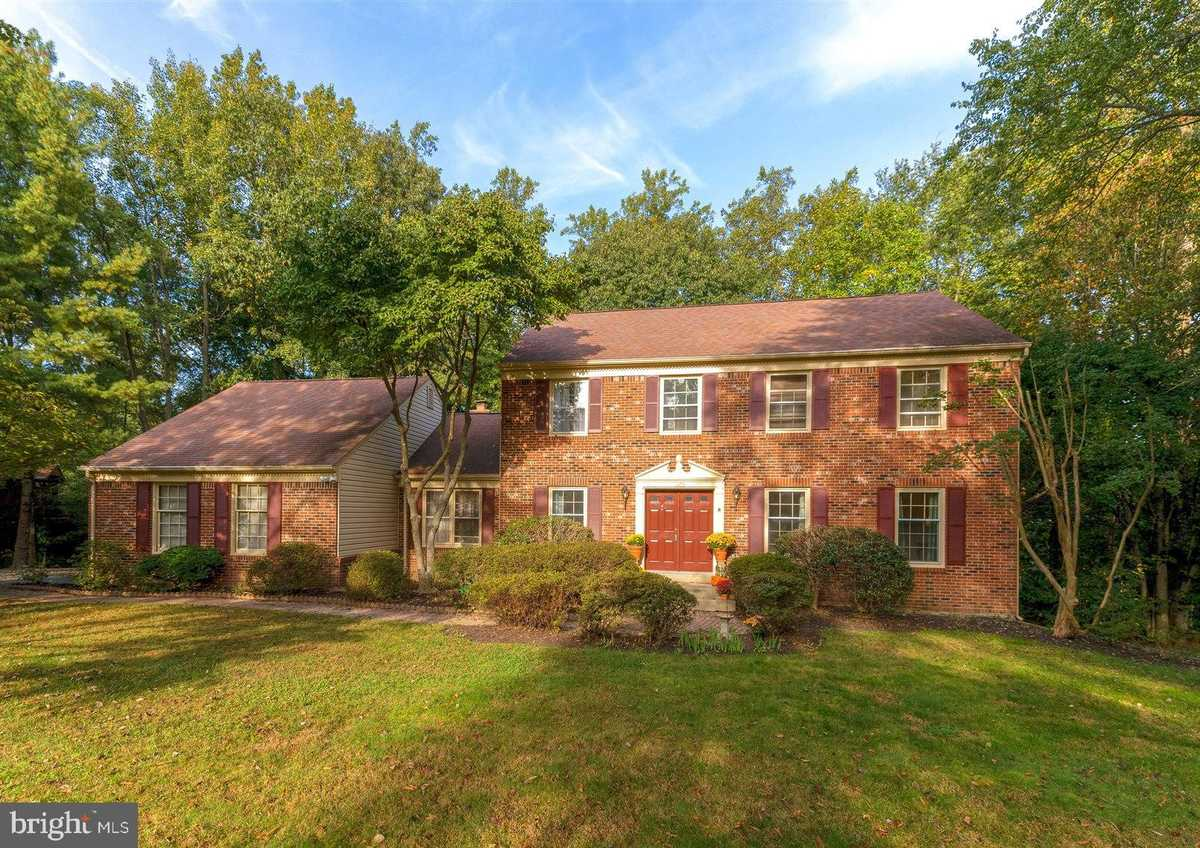 $899,950 - 4Br/3Ba -  for Sale in South Run, Fairfax Station