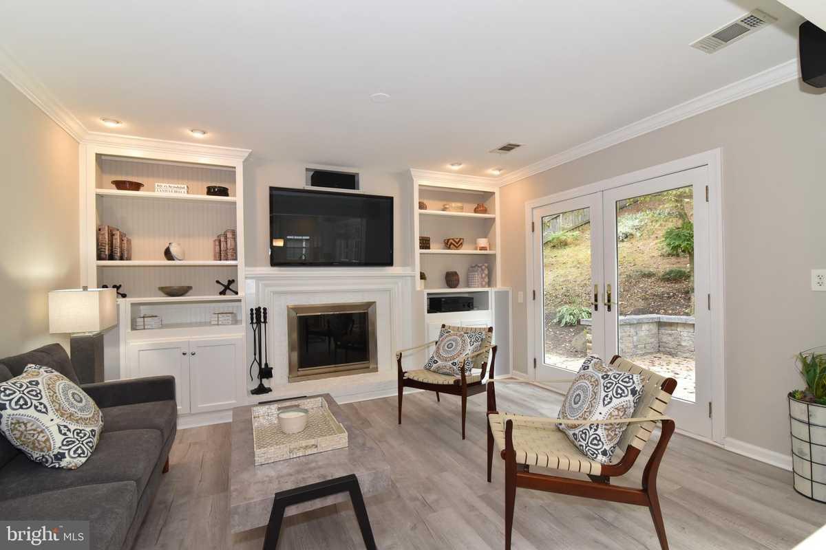 $575,000 - 3Br/3Ba -  for Sale in Dranesville Estates, Herndon
