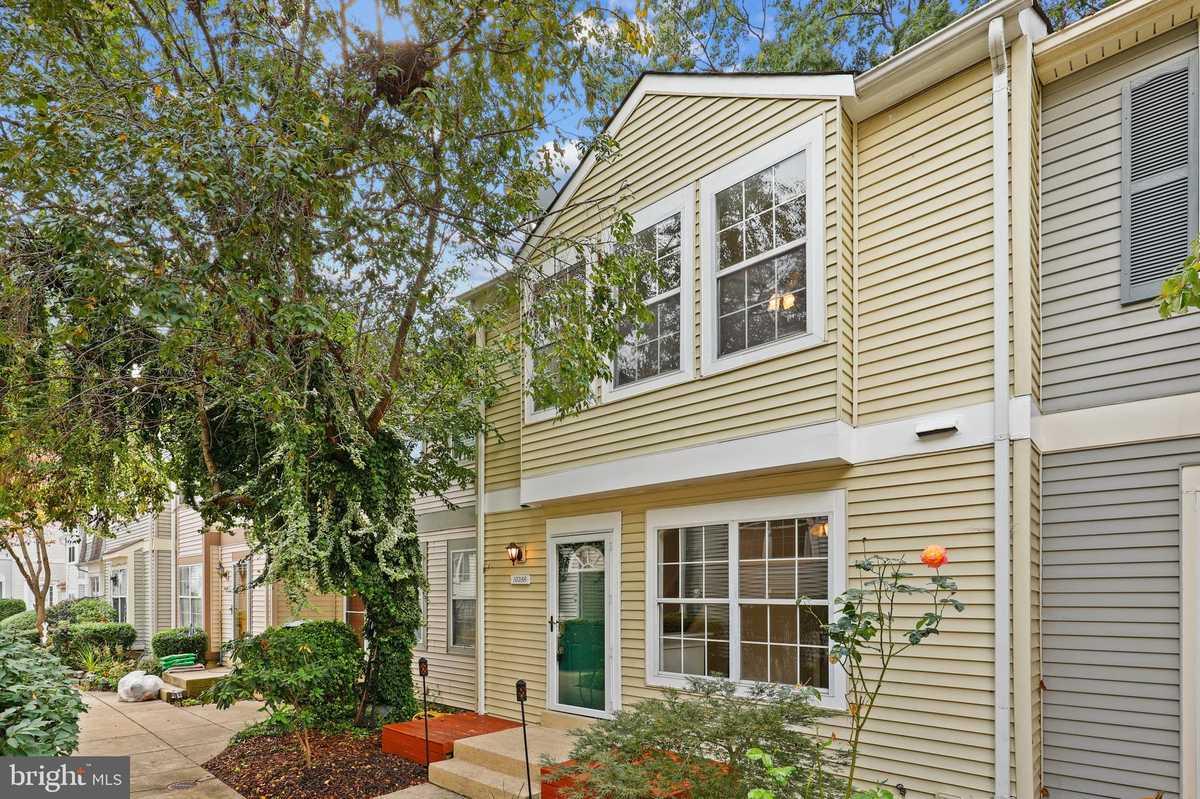 $427,500 - 2Br/3Ba -  for Sale in Oakwood Commons At Burke, Burke