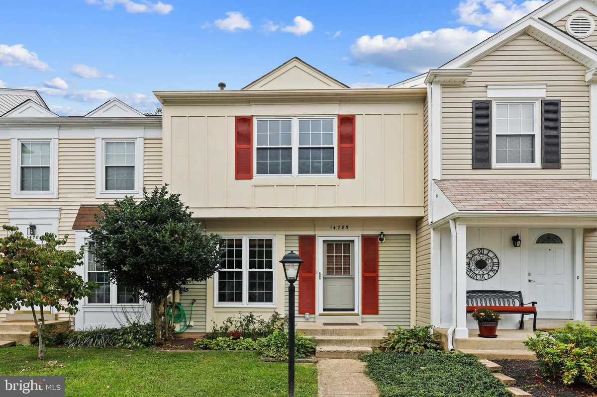 $349,900 - 2Br/2Ba -  for Sale in London Towne West, Centreville