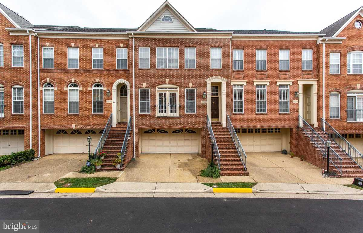 $820,000 - 3Br/4Ba -  for Sale in Providence Park, Vienna