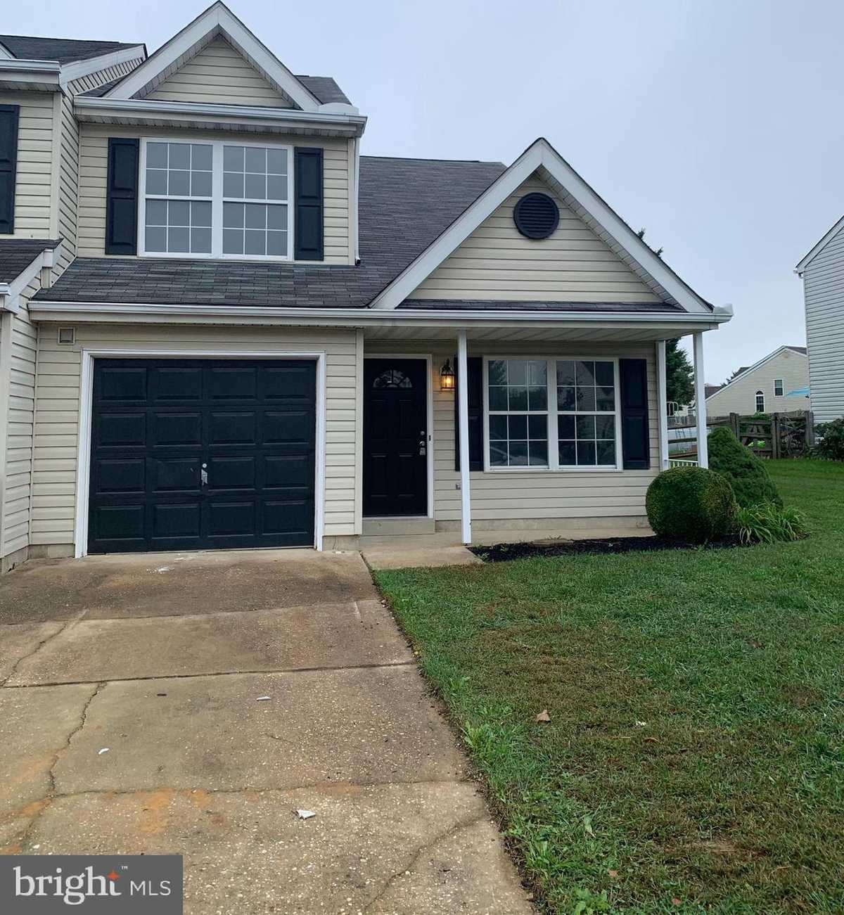 $299,900 - 3Br/3Ba -  for Sale in Millbranch At Greenlawn, Middletown