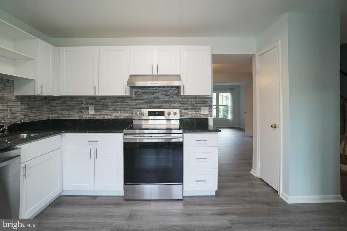 $525,000 - 3Br/4Ba -  for Sale in Cavalcade, Annandale