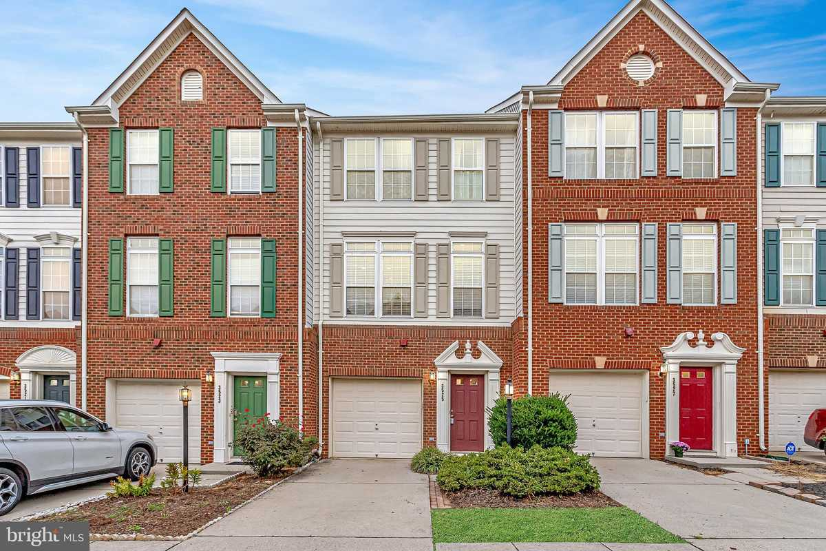 $599,900 - 3Br/4Ba -  for Sale in Ellery Place, Falls Church