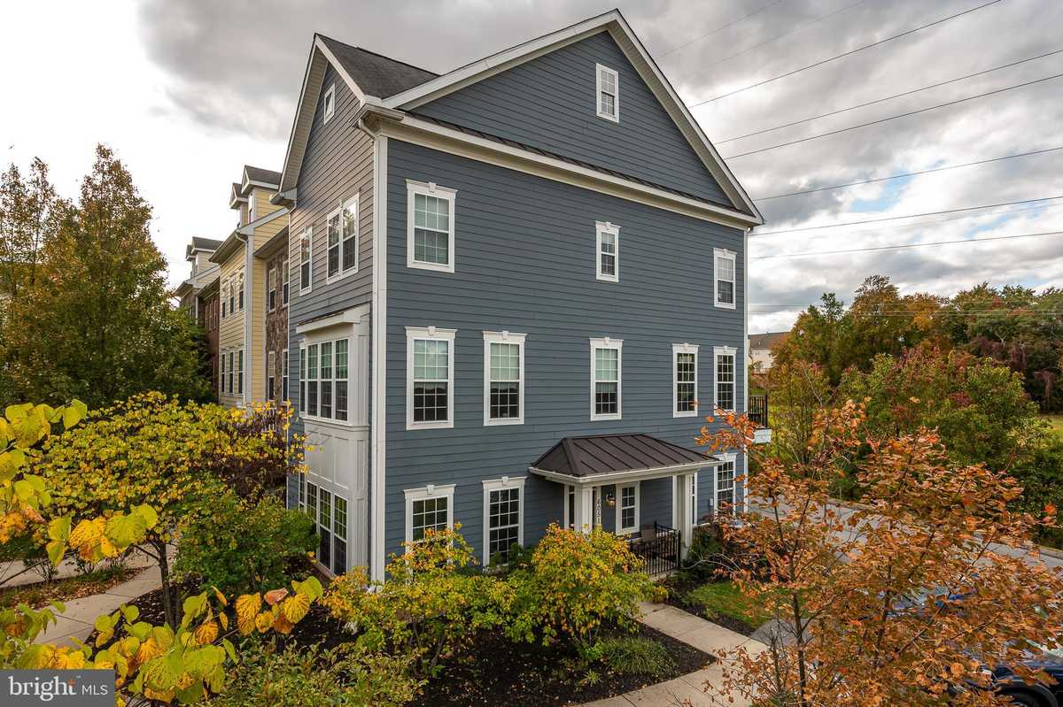 $515,000 - 4Br/4Ba -  for Sale in Shipleys Grant, Ellicott City