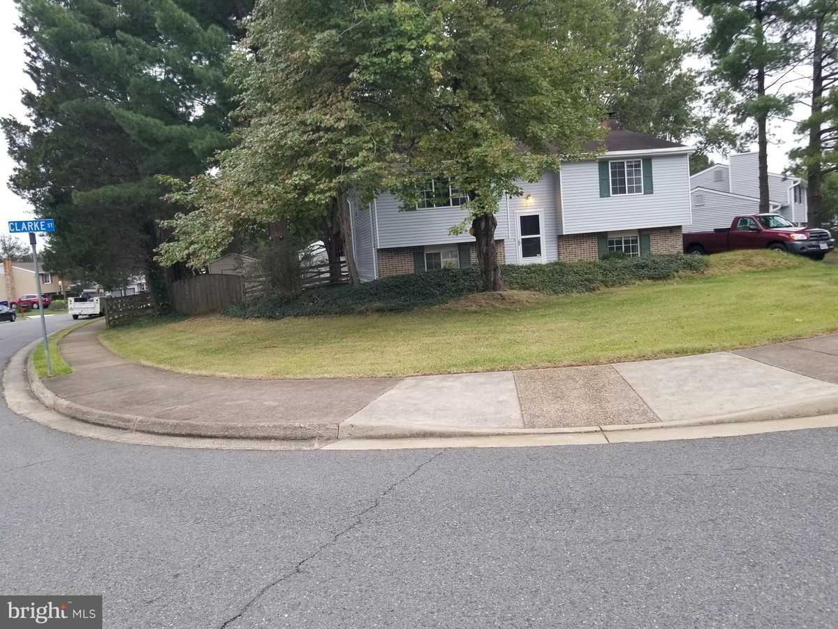 $575,000 - 4Br/2Ba -  for Sale in Hunters Creek, Herndon