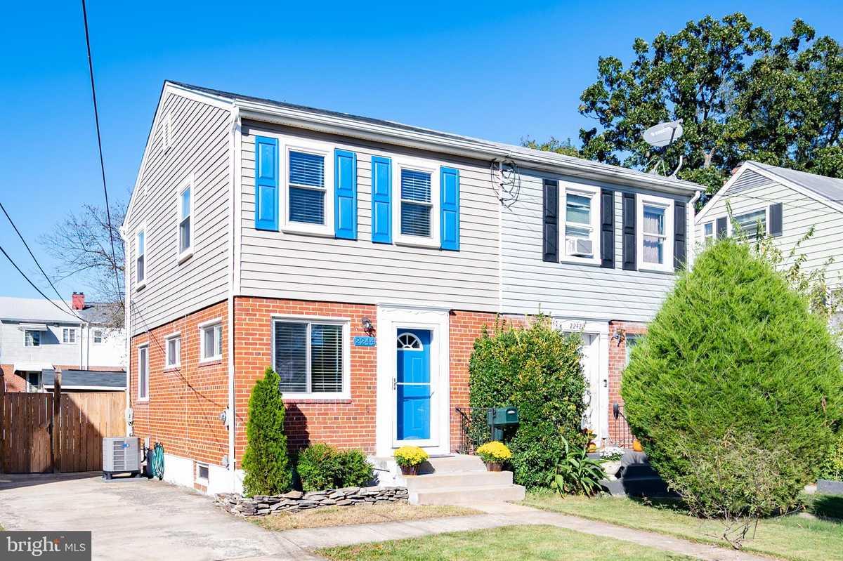 $435,000 - 2Br/2Ba -  for Sale in Bucknell Manor, Alexandria