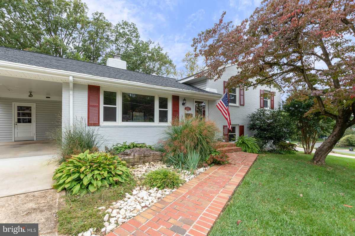 $679,788 - 4Br/3Ba -  for Sale in West Springfield, Springfield