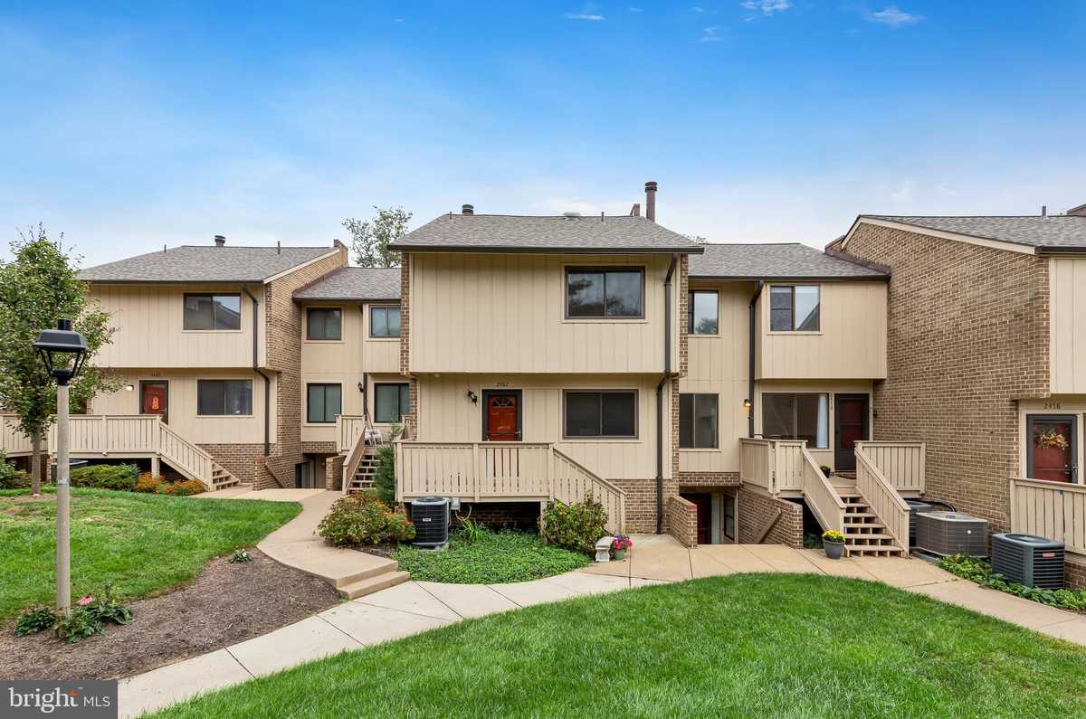 $399,900 - 3Br/3Ba -  for Sale in Mosbys Landing, Vienna