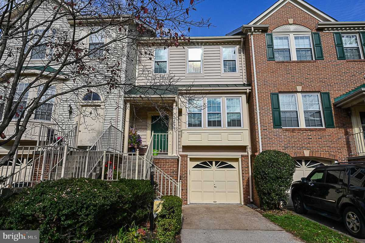 $486,000 - 3Br/4Ba -  for Sale in Winding Ridge, Centreville