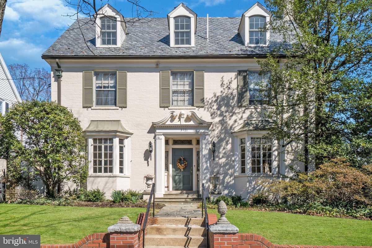 $2,200,000 - 6Br/5Ba -  for Sale in Woodley, Washington