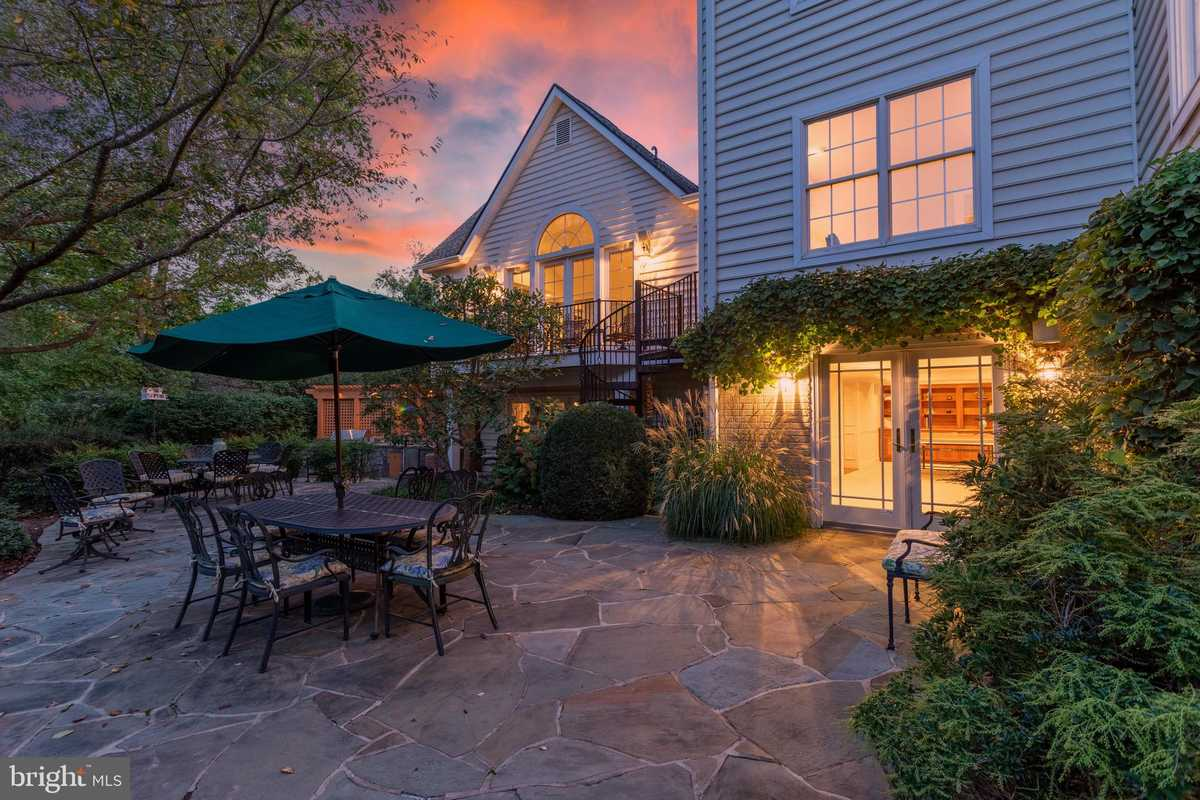 $1,795,000 - 4Br/5Ba -  for Sale in Great Falls Hunt, Great Falls