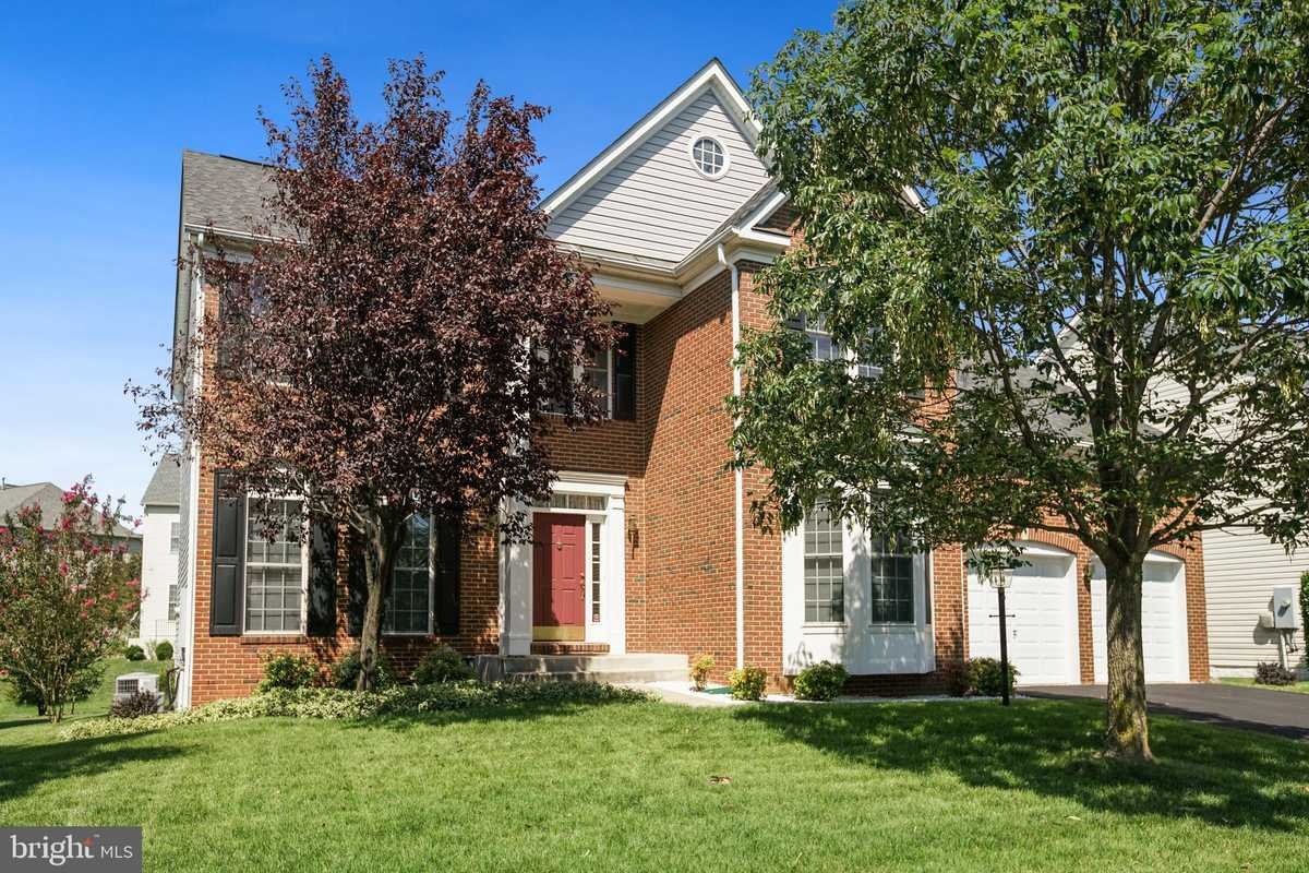 $900,000 - 4Br/4Ba -  for Sale in Faircrest South, Centreville