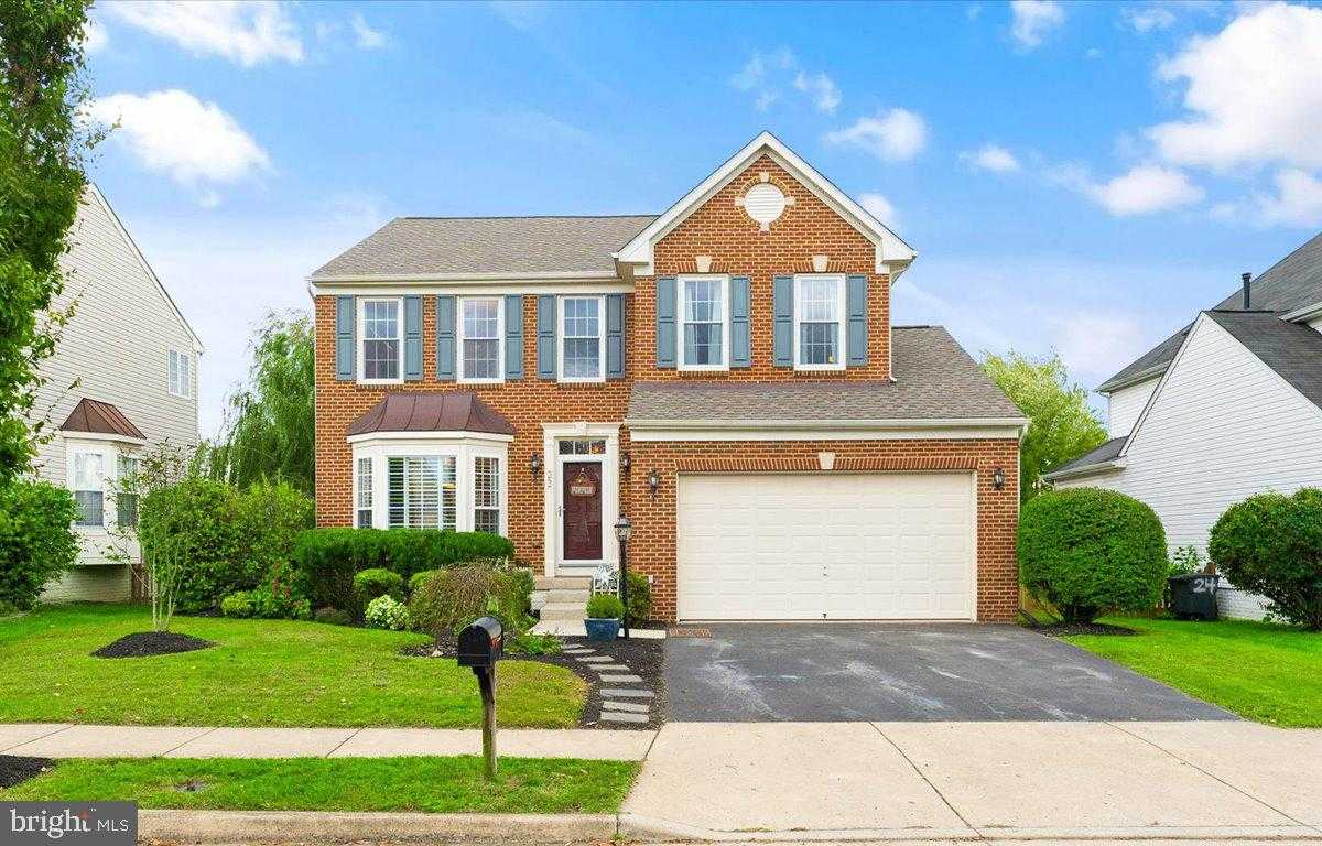 $585,000 - 4Br/4Ba -  for Sale in New Town Meadows, Lovettsville