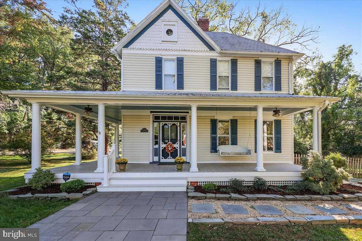 $949,000 - 3Br/3Ba -  for Sale in Dunn Loring, Dunn Loring