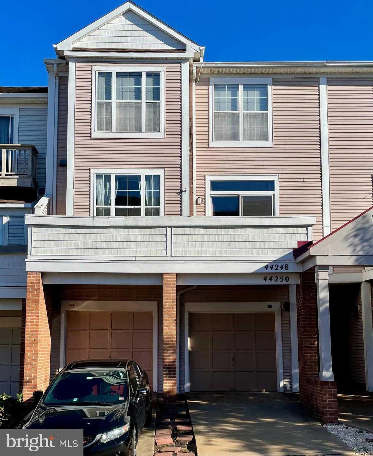 $425,000 - 3Br/3Ba -  for Sale in Ashburn Valley, Ashburn