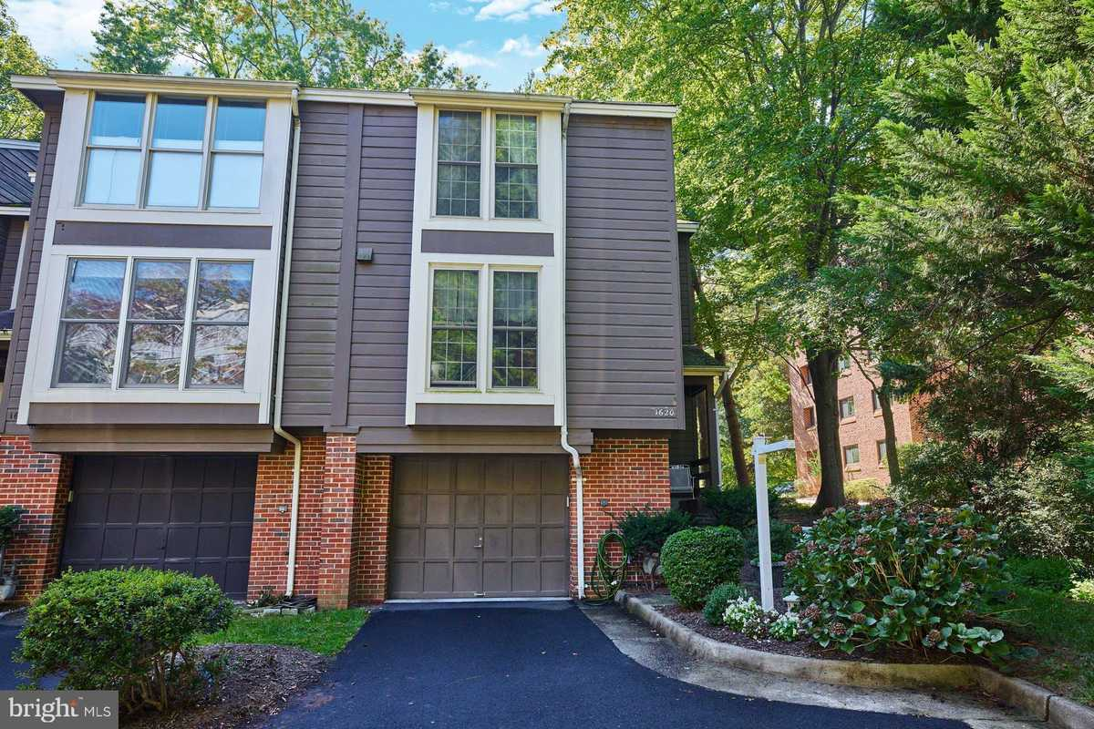 $629,900 - 3Br/4Ba -  for Sale in Orchard Green, Reston