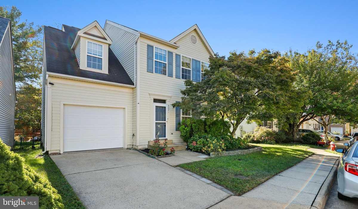 $599,900 - 3Br/4Ba -  for Sale in Centre Ridge Land Bay, Centreville