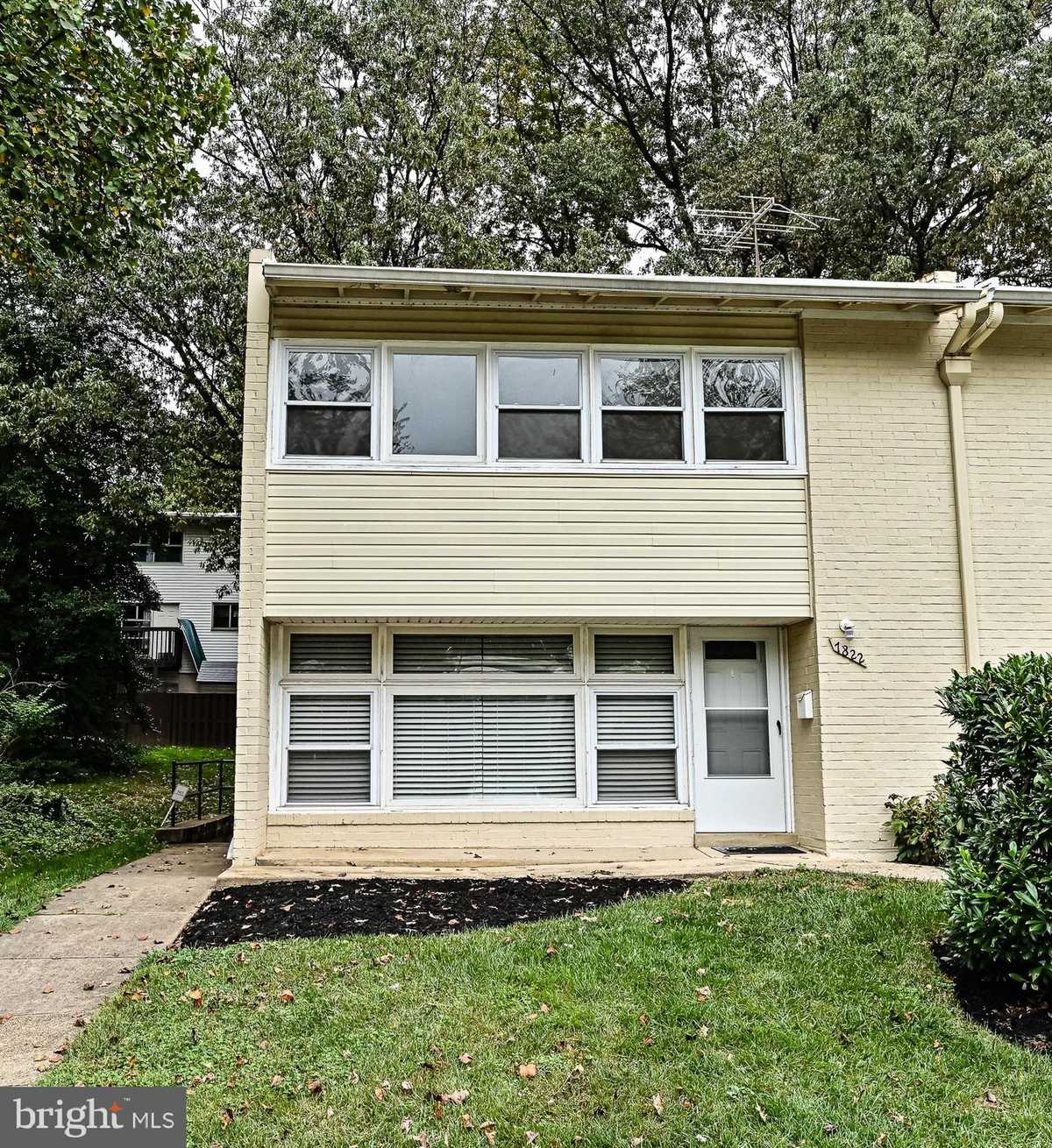 $355,000 - 3Br/2Ba -  for Sale in Fairfax Heritage, Annandale