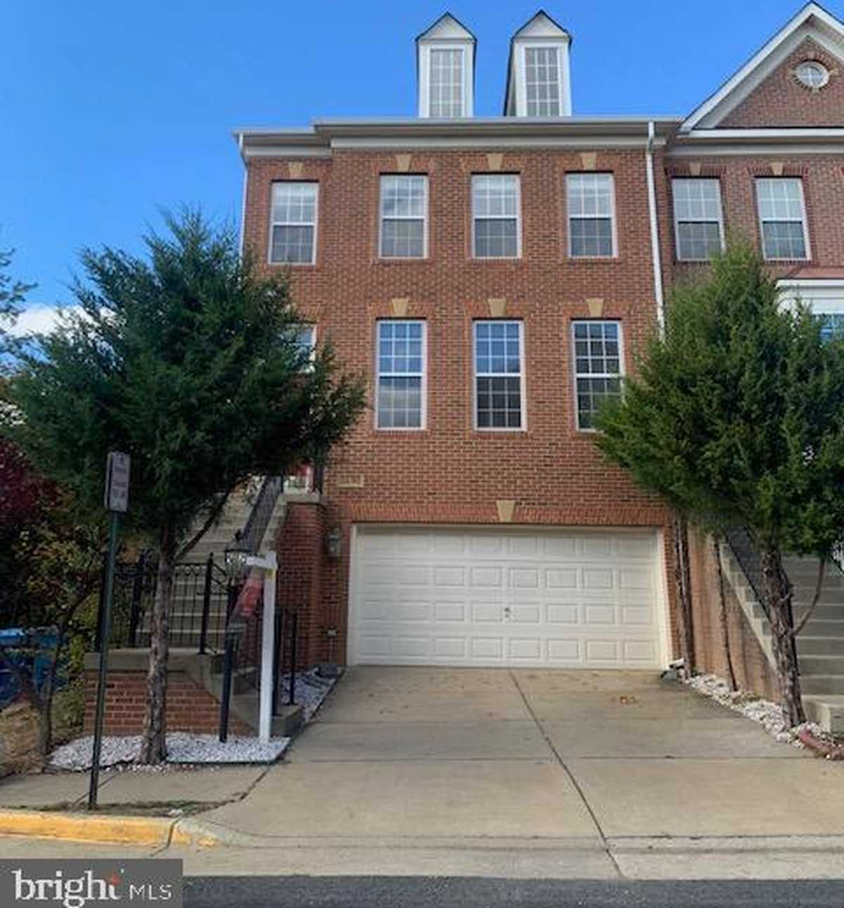 $619,999 - 4Br/4Ba -  for Sale in Sully Manor, Centreville