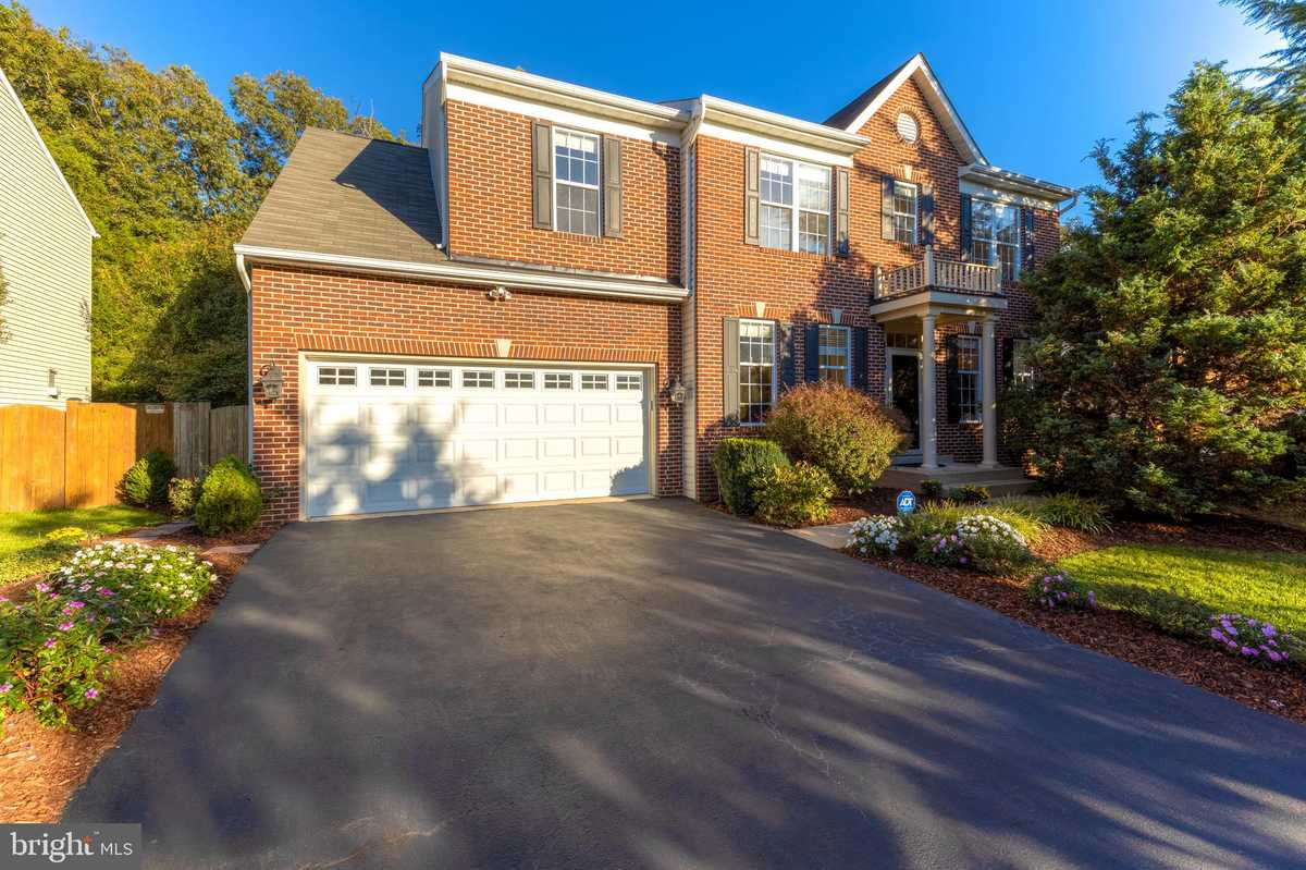 $949,950 - 4Br/4Ba -  for Sale in Twinbrook At Mount Air, Lorton
