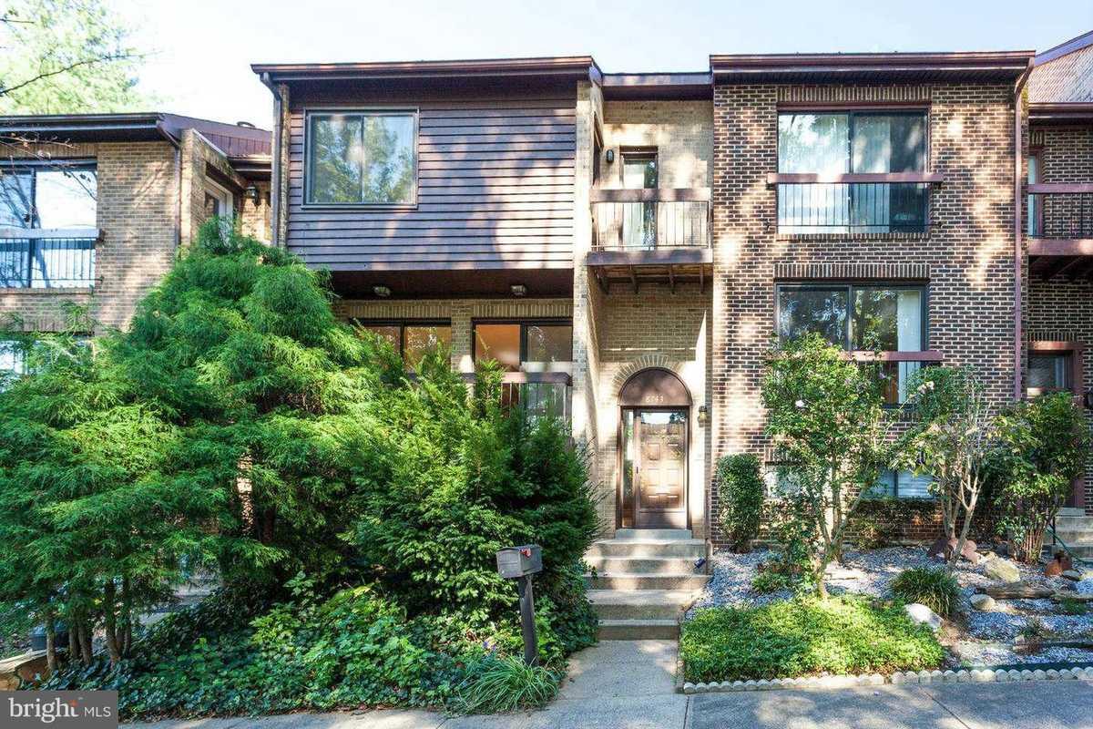 $504,900 - 3Br/4Ba -  for Sale in Hillside Ridge, Springfield