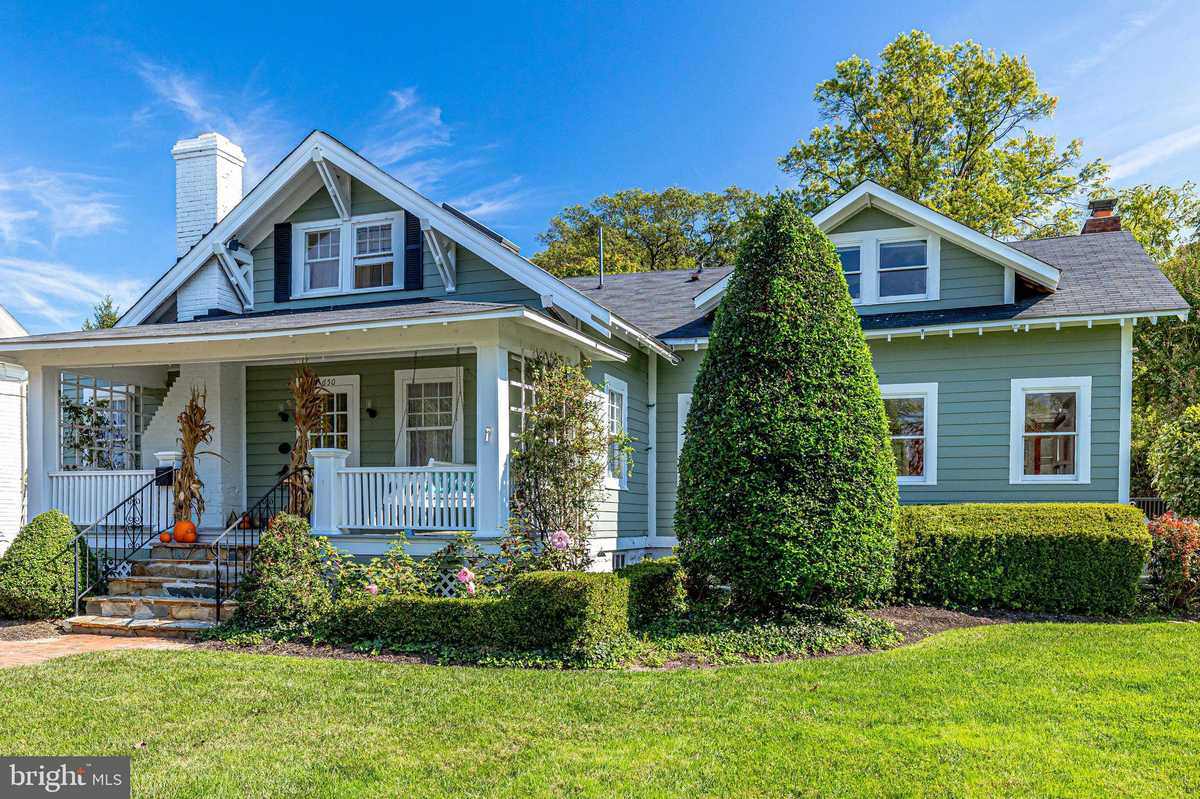 $824,064 - 4Br/3Ba -  for Sale in None Available, Herndon