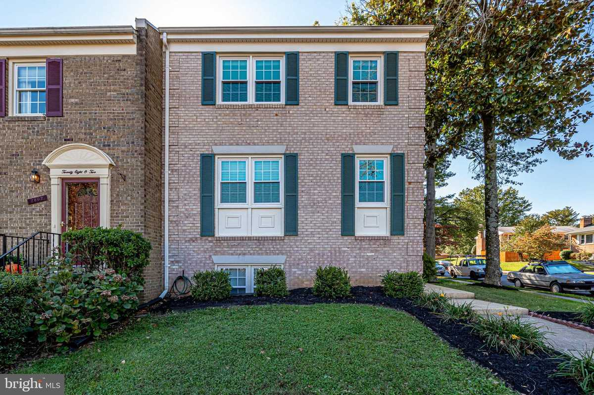 $650,000 - 4Br/4Ba -  for Sale in Merrifield View, Vienna