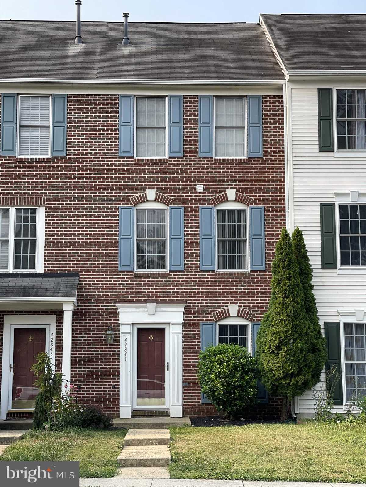 $434,990 - 3Br/3Ba -  for Sale in South Riding, Chantilly