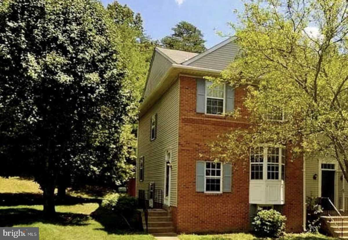 $499,999 - 4Br/4Ba -  for Sale in Village Of Mount Air, Lorton