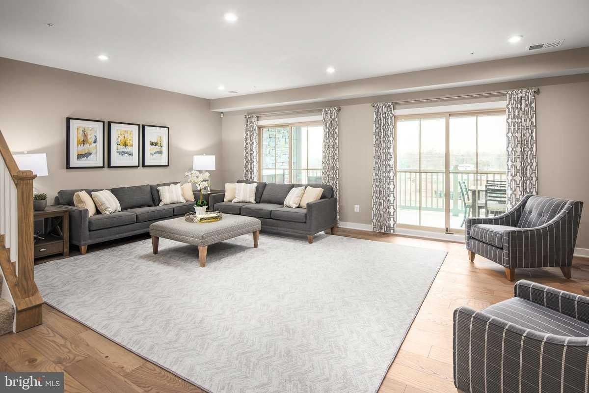 $582,990 - 3Br/3Ba -  for Sale in Foster's Glen, Herndon