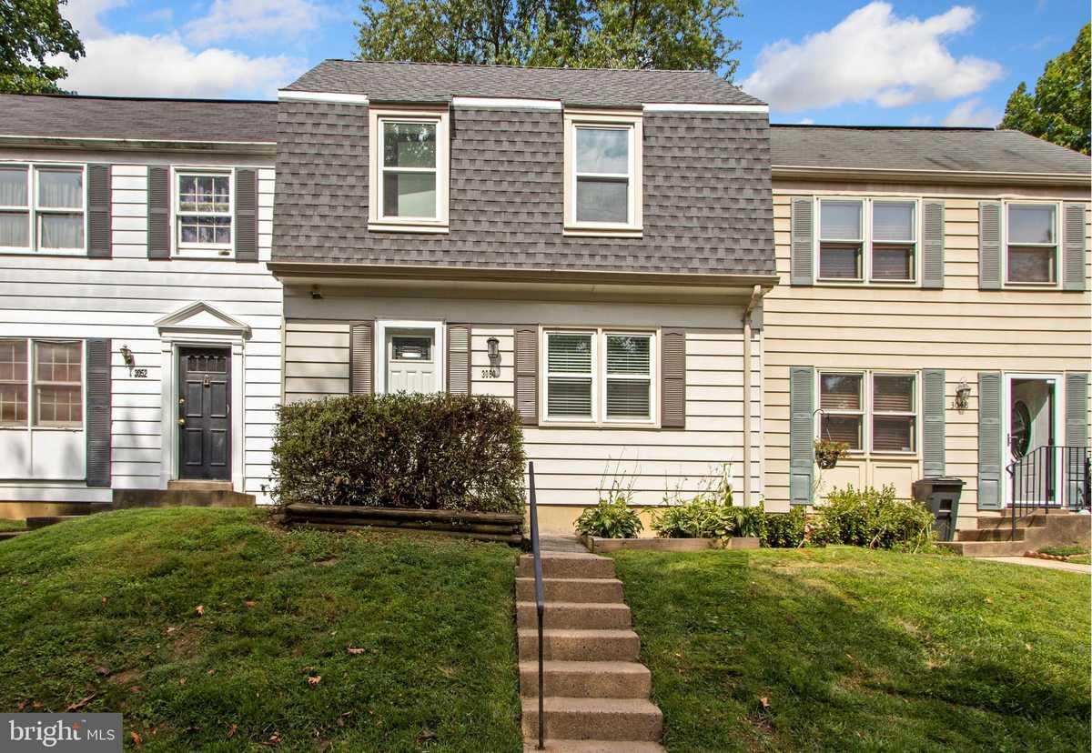 $475,000 - 3Br/3Ba -  for Sale in Covington, Fairfax
