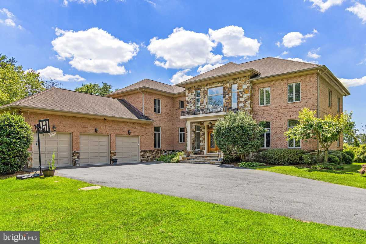 $2,250,000 - 5Br/7Ba -  for Sale in Twin Lakes, Clifton