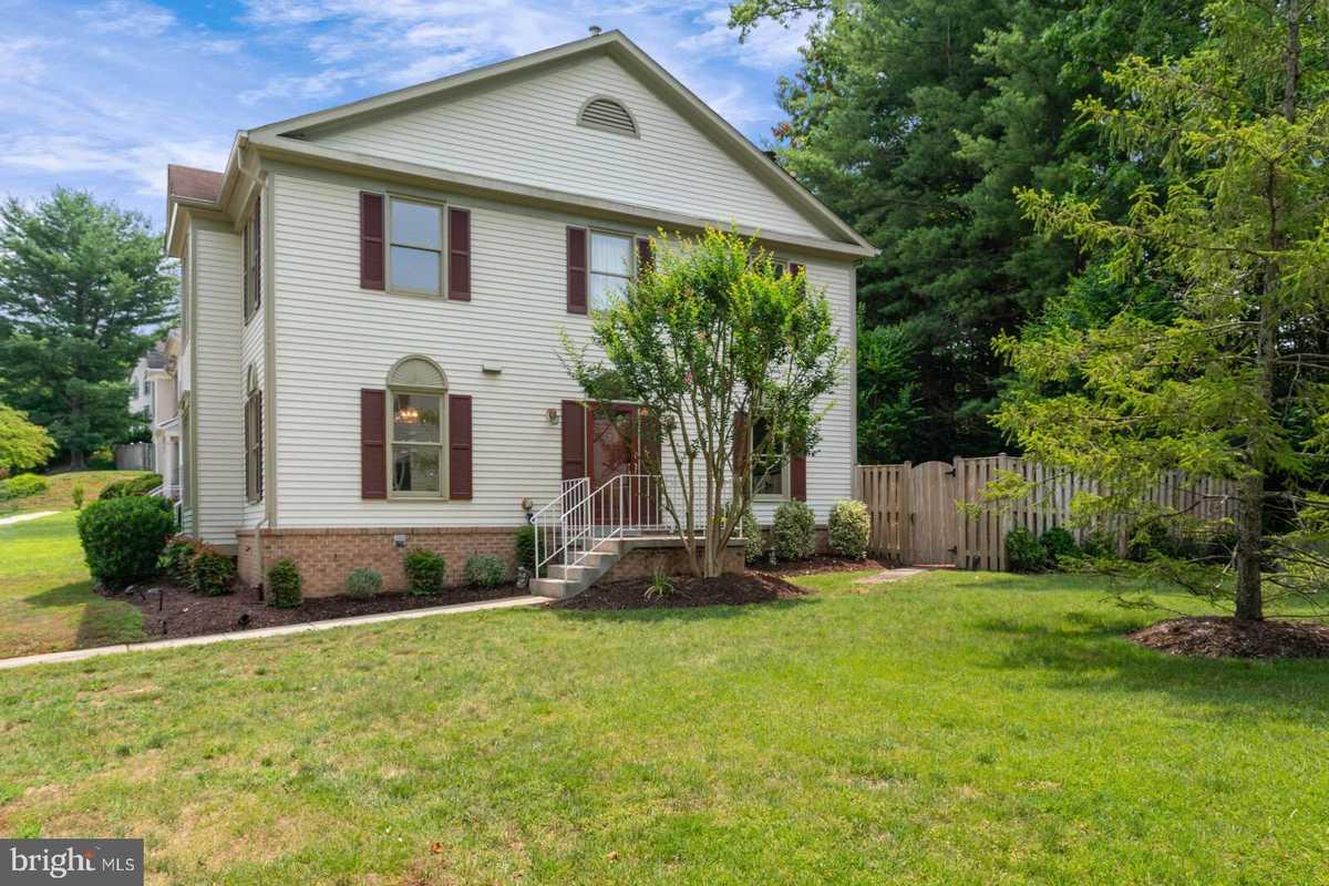 $525,000 - 3Br/4Ba -  for Sale in Olde Oak Ridge, Springfield