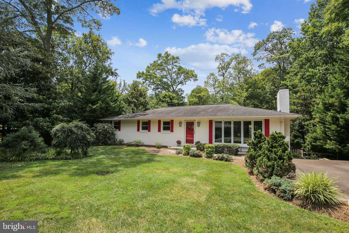 $725,000 - 5Br/3Ba -  for Sale in Woods Of Ilda, Annandale