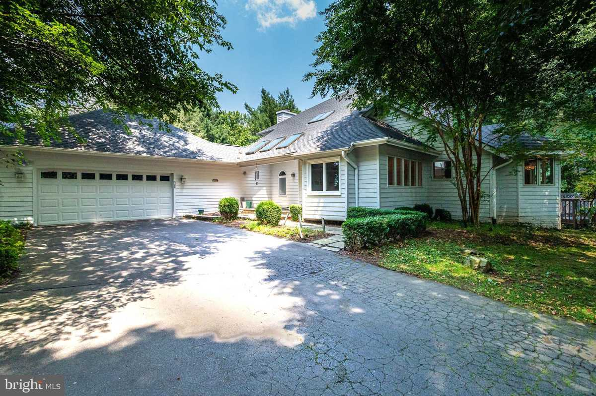 $1,299,000 - 4Br/4Ba -  for Sale in Canterwood, Great Falls