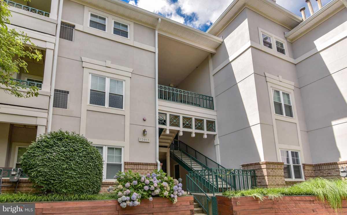 $274,900 - 1Br/1Ba -  for Sale in Oak Park Condo, Reston